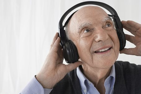 The Benefits of Music for Seniors